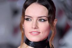 Daisy Ridley Dyed Her Hair Golden Blonde, and We're Still Not Over It
