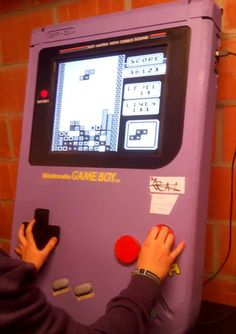 Fully functioning giant game boy powered by Raspberry Pi is perfect for parties