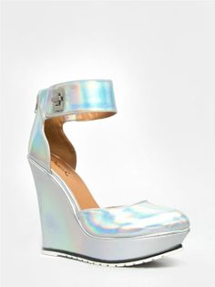 NEW QUPID Women Party Ankle Strap Holographic Wedge Heel Pumps sz Silver Sybil01