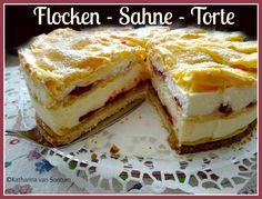 Karins Flocken-Sahne-Torte, Flockensahnetorte, Flocken-Sahne-Torte mit Mürbeteigboden, Preiselbeertorte, Flockentorte