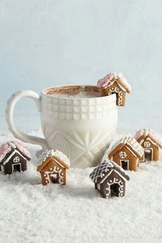 Hot coco and gingerbread houses