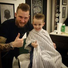 barber cape Tony Barber, Kids Barber, Barber Logo, Latest Pics, Barbershop, Haircuts For Men, Logos, Children, Instagram