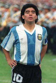 Diego Maradona of Argentina in Soccer Stars, Sports Stars, World Football, Football Soccer, Soccer Cup, Good Soccer Players, Football Players, Football Uniforms, Football Shirts