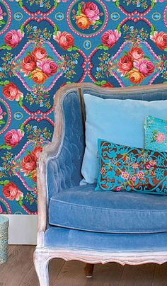 What do you think of this bohemian decor for gypsy babes? I love it. To me, it's a combo of Victorian floral and Moroccan Arabesque - see more and read ideas from a non decorator - (article)