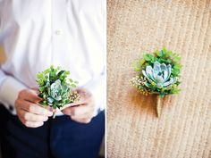Flor na lapela para o noivo com catos. #casamento #boutonniere #flornalapela #catos #noivos