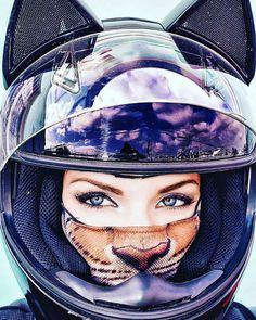 Real Motorcycle Women - nitrinos_helmets (1)