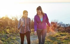 A Walking Plan for Fat Loss - Healthy Lifestyle Health Facts, Health And Nutrition, Health And Wellness, Benefits Of Walking Daily, Walking Plan, Hips Dips, Health Tips For Women, Low Impact Workout, Healthy Women