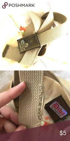 """Billabong cotton 42"""" belt Adjustable cotton billabong belt, 42"""". Some wear on one portion Billabong Accessories Belts"""