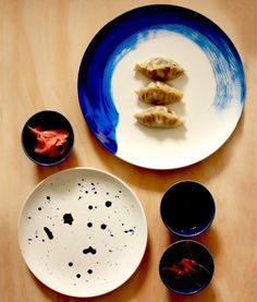 Stylish DIY Indigo Painted Plates | Shelterness