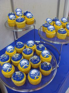 Sweet Treats by Bonnie: Buffalo Sabres Cupcakes