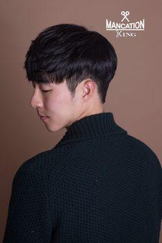 2017 남자 헤어스타일, 남자 펌 추천, 소프트 투블럭 댄디컷 : 네이버 포스트 Korean Haircut Men, Korean Men Hairstyle, Asian Haircut, Kpop Hairstyle, Korea Hair Style Men, Hair Style For Men, Two Block Cut, Two Block Haircut, Hair And Beard Styles