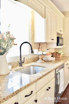 A Brick Home: spring kitchen, spring kitchen decor, spring k Spring Kitchen Decor, Home Decor Kitchen, Home Kitchens, Kitchen Ideas, Summer Kitchen, Decorating Kitchen, Kitchen Redo, New Kitchen, Kitchen Dining