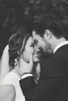 - The most important wedding photos for the day and 10 great tips wedding photography - Hochzeit - Fotografie Wedding Photography Checklist, Wedding Photography Poses, Couple Photography, Photography Ideas, Wedding Portraits, Photography Lighting, Celebrity Photography, Photography Studios, Photography Accessories