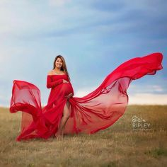 Erin Gown - Long Flowing Off the Shoulder Long Sleeve Sheer Chiffon Straight Top Maternity Gown Maternity Poses, Maternity Pictures, Pregnancy Photos, Maternity Dresses, Maternity Photography, Photography Poses, Casual Maternity, Pregnancy Fashion, Maternity Wear