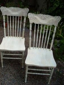 shabby chic furniture is easy to do! Just a vintage chair and a little paint!