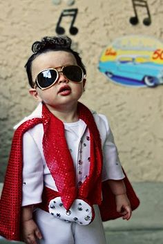 So cute! I love this kids elvis costume for Halloween :) Best Toddler Elvis Ever!