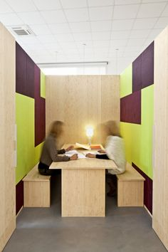 Office Dones del 36 by ZEST Architecture