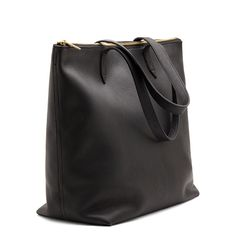 Cuyana Classic Leather Zipper Tote Black. Ethically made in Argentina.