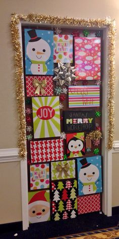 41 Cute Christmas Door Decoration Ideas for Your Holiday Inspiration - Page 13 of 41 - SeShel. Dorm Door Decorations, Office Christmas Decorations, College Dorm Decorations, Christmas Crafts, Christmas Door Decorating Contest, Dorm Room Doors, Dorm Rooms, Christmas Classroom Door, Dorm Room Designs
