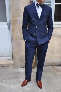 Credits: Nicolas Schoutteten - The Friday Wear Mens Fashion Blog, Fashion Mode, Suit Fashion, Style Fashion, Gentleman Mode, Gentleman Style, Sharp Dressed Man, Well Dressed Men, Friday Wear