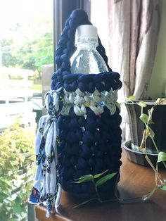 T shirt yarn bottle holder