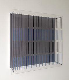 Jesus Soto -   Tres azules y negras - Serie Sintesis - Ed. 110 - 50 x 50 x 12 cm - Caracas, 1979