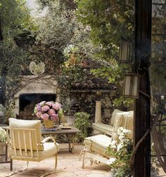 i love outdoor living spaces modeled after indoor rooms:)