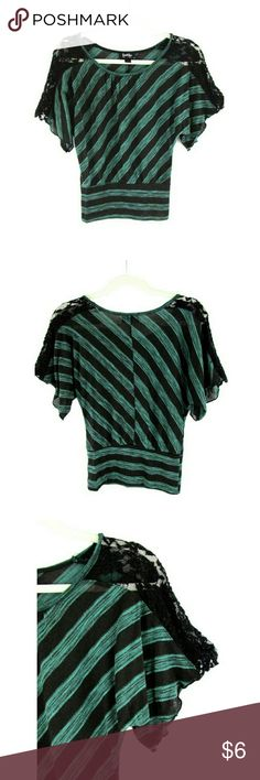 """By & By Striped Dolman Sleeve Lace Shoulder Blouse DETAILS • Asymmetrical stripe print banded blouse. • Dolman sleeve. • Scoop neckline. • Shoulder lace insert. • Banded waist. • Green/Black.  CONDITION Very good condition. Missing care instruction/material label.  SIZE 