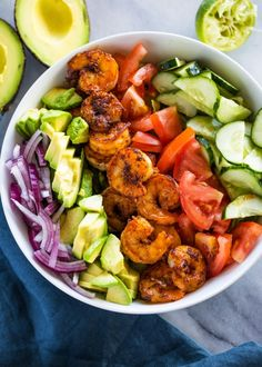 Skinny Shrimp & Avocado Salad A healthy, flavorful and balanced shrimp, avocado, tomato and cucumber salad topped with a cilantro lime dressing. Shrimp + Avocado is a combo that is out of this world. Avocado is great with anyt… Shrimp Avocado Salad, Avocado Salad Recipes, Cucumber Salad, Salad With Shrimp, Shrimp Salad Recipes, Detox Salad, Avocado Food, Healthy Meal Prep, Healthy Snacks