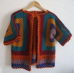 Tutorial Crochet Jacket crochet paso a paso en español - Lola - Cardigan Au Crochet, Crochet Jacket, Easy Knitting Patterns, Crochet Blanket Patterns, Crochet Granny, Knit Crochet, Summer Jacket, Swarovski, Sweaters