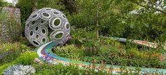 12 Inspirado Garden Design do 2016 Chelsea Flower Show // A Brewin Dolphin Garden - Forever Freefolk, desenhado por Rosy Hardy. Chelsea Flower Show, Garden Structures, Garden Paths, Chelsea Garden, Smart Garden, Water Features In The Garden, Garden Show, Garden Pictures, Cool Plants