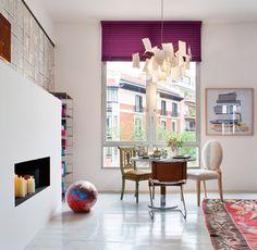 Sala de estar con comedor de Rotaeche y Santaolaya para TELVA en Casa Decor Madrid 2013