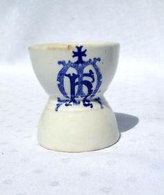 PRE 1855 Maddock Made IN England Vitrifiés Vaisselle Bleu ET Blanc EGG CUP | eBay