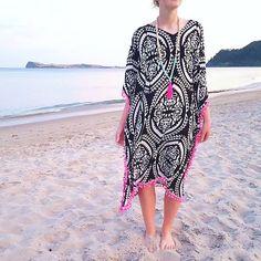 Loving this new long flowy Black and white kaftan with hot pink pom poms ! shop link in bio... . #sunset #kaftan #pompoms #blackandwhite #beachwear #beach #etsynz #etsyfind #etsyseller #etsyfashion #fashion #style #brightnewpenny #onlineshopping #etsy #tasselnecklace #summerholidays