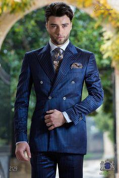 Double-breasted Italian pinstripe pinstripe in royal blue Royal Blue Suit, Blue Suit Men, Bleu Royal, Azul Royal, Gentleman Mode, Gentleman Style, Double Breasted Pinstripe Suit, Best Wedding Suits, Designer Suits For Men