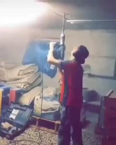 Construction Humor, Iron Man Avengers, Water Games For Kids, Funny Clips, Hilarious, Funny Shit, Album, Good Times, Funny Pictures
