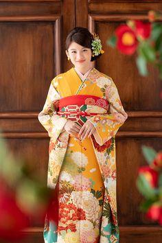 Ethnic Fashion, Kimono Fashion, Kimono Design, Japan Woman, Traditional Fashion, Japanese Outfits, Coming Of Age, Yukata, Japanese Kimono
