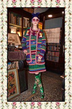 Gucci Pre-Fall 2017 Collection Photos - Vogue Look Live Fashion, Fashion Week, Fashion 2017, Fashion Brands, Fashion Show, Gucci Fashion, Gucci Pre Fall 2017, Gucci 2017, Mode Chic