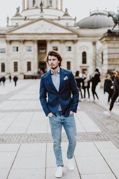 Modern und elegant im Alltag. Mit den Casual Sakkos von Becon Berlin sind Sie jeden Tag stilsicher gekleidet. Pullover, Trends, Outfit, Jeans, Berlin, Elegant, Casual, Style, Fashion