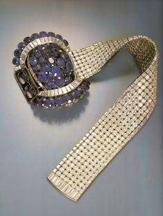 Henry VIII's wedding gift to Wallis.  The Van Cleef and Arpels Jarretière Bracelet with diamonds and sapphires.