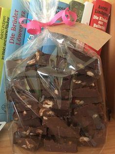 Schokoladen-Fudge ganz simpel, ein beliebtes Rezept mit Bild aus der Kategorie Konfiserie. 11 Bewertungen: Ø 4,3. Tags: Konfiserie