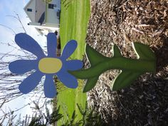 Wooden flower stake for your garden. Flower is 2 feet tall! Wooden Flowers, Crafty Projects, Hanging Baskets, Yard, Christmas Ornaments, Holiday Decor, Spring, Handmade Gifts, Water