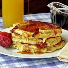 Strawberries and Cream Pancakes - Rock Recipes -The Best Food & Photos from my St. What's For Breakfast, Breakfast Pancakes, Breakfast Recipes, Strawberry Recipes, Strawberry Pancakes, Blueberry Pancakes, Buttermilk Pancakes, Rock Recipes, Strawberries And Cream