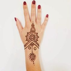 Massilia Henna Henné Main Simple, Henné Simple, Tatouage Henné Main, Modele  Tatouage,