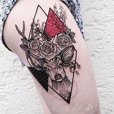 Adorei a mistura do geométrico + flores + pouca cor