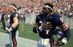 Walter Payton & Jim McMahon Super Bowl Hug Photo Chicago Bears Football for sale online American Football, Nfl Football, Football Memes, American Sports, Football Players, Football Stuff, Basketball Memes, School Football, Alabama Football