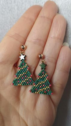 Beaded Earrings Patterns, Bead Earrings, Brick Stitch Earrings, Diy Christmas Earrings, Earring Tree, Earring Tutorial, Bead Jewellery, Free Beading Tutorials, Bracelets