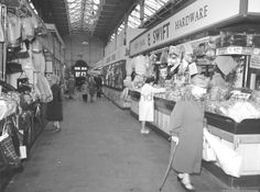 SBT/1/30 Title	Photograph of centre aisle from north end of Market Hall, St.Helens, Lancshire arkket town.Tray. Date 	Oct 1962