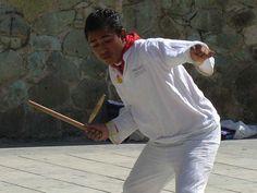 Kimbomba: gioco con grande diffusione nella Penisola dello Yucatán, nonostante si giochi in molti Stati della Repubblica Messicana. Un gioco praticato principalmente da uomini, ciò nonostante non si vieta la partecipazione femminile. Viene praticato sia da adulti che da giovani. In particolare, nella Penisola dello  Yucatán, i bambini ed i ragazzi indigeni lo praticano a partire dai 6 anni.