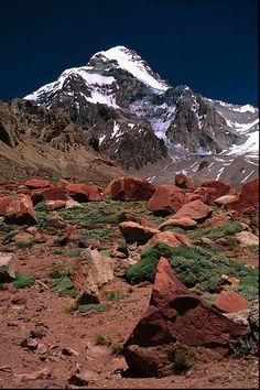 Mendoza , Argentina . - Cerro Aconcagua - , pertenece a la Cordillera de los Andes y y se eleva majestuoso dando marco a un paisaje de ensueño . . .